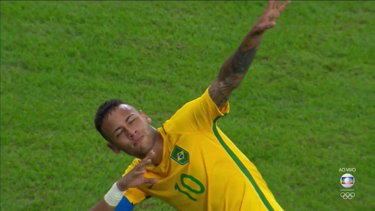 ⚡⚡ Caiu um raio!! ⚡⚡ #SomosTodosOlímpicos #Rio2016 #BRA X #GER #Futebol