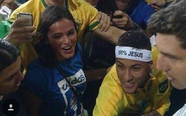 É ouro! Neymar e Bruna Marquezine voltaram a namorar? https://t.co/1fI6cyePh8 #MPN #capricho