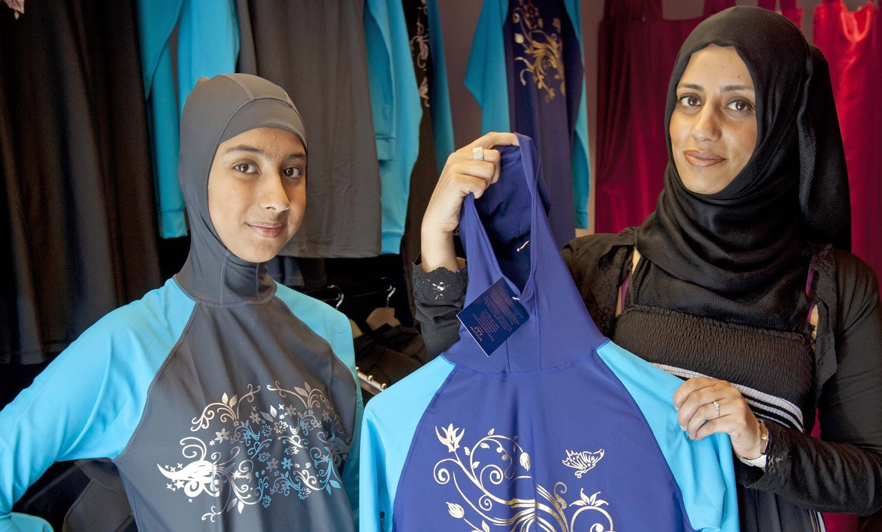 The burkini ban in Cannes isn't just anti-Muslim – it's sexist, too by @Huma101 https://t.co/9RYWWwAWmW #womenwrites https://t.co/iQRkFANqP4