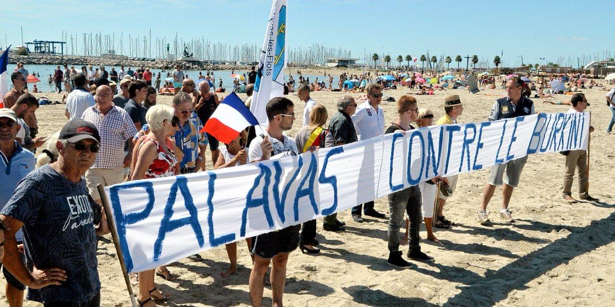 #Hérault : deux cents manifestants anti-#Burkini sur la plage de #Palavas https://t.co/U8W6dQhKww