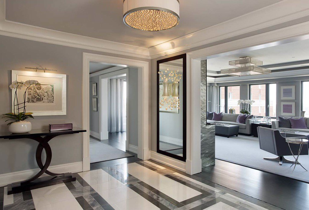 This #foyer with its geometric marble flooring and mirrors worthy of a ballroom proves any space can be glamorous. https://t.co/0eWESMQGuJ