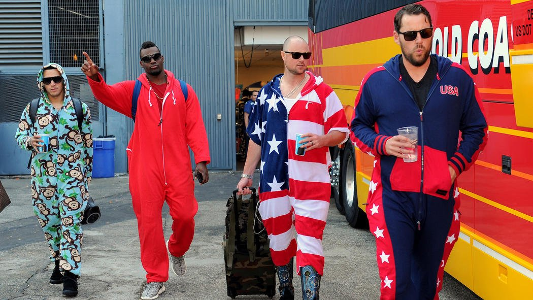 Cubs wear onesies on trip from Los Angeles
