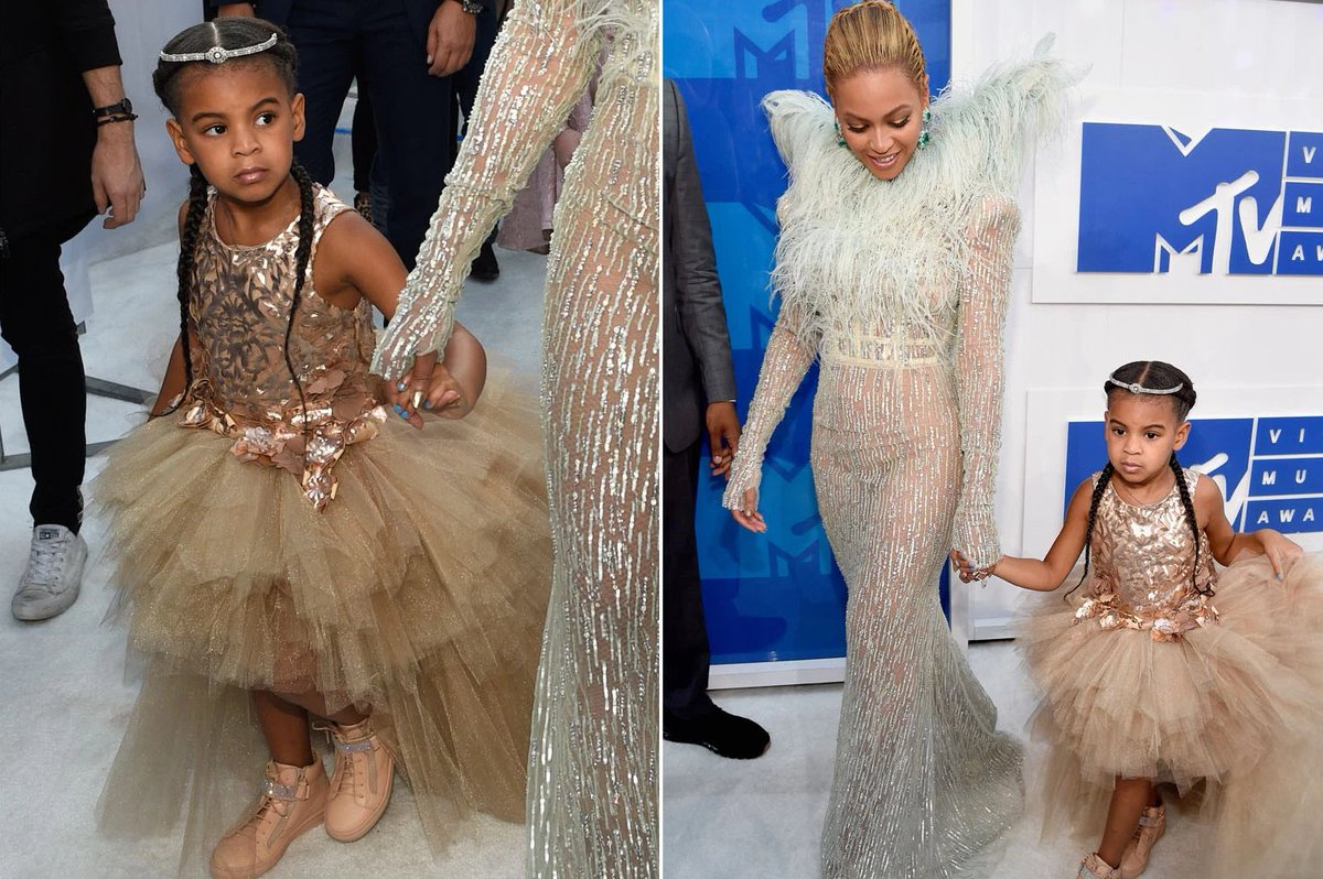 Blue Ivy is wearing an $11K dress at the VMAs Beyonce