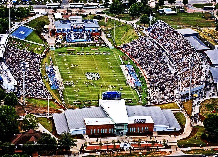 Got them Statesboro Blues. Ready to be back in the prettiest little stadium in America this weekend. #GATA https://t.co/8RVigPUyND