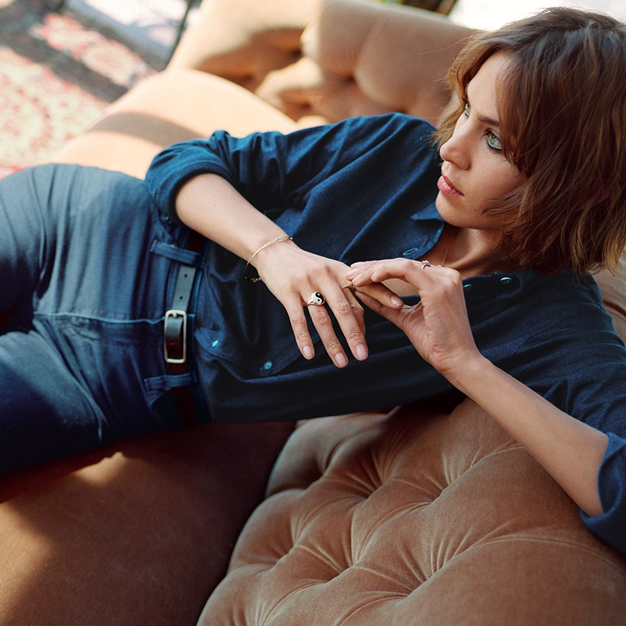 We're SO into this '60s-inspired @agjeans collection for fall: https://t.co/UbAkyr4Z8v #ad https://t.co/duIp3Ssnl7