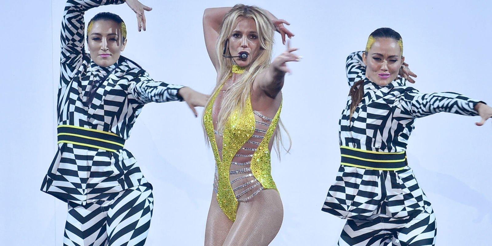 Britney Spears Gave a Wonderful Performance at the VMAs, So Everyone Smile! https://t.co/AtZfXjm4YY #VMAs https://t.co/Jh8ohbcoyu