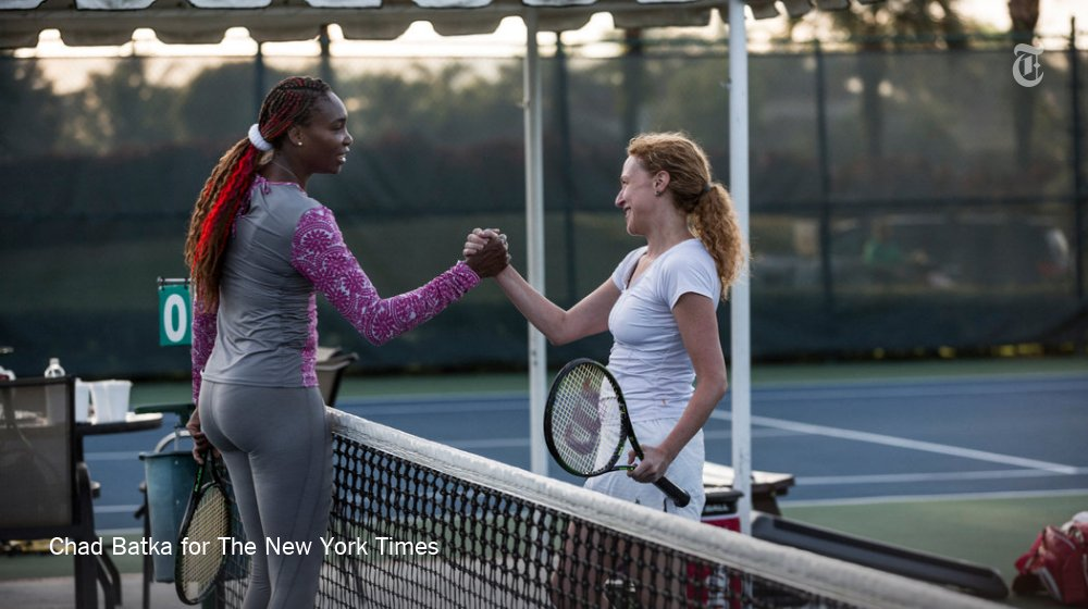 .@katierosman got a tennis lesson from @Venuseswilliams https://t.co/VSyT3pX91t https://t.co/9v5wfmpZxl
