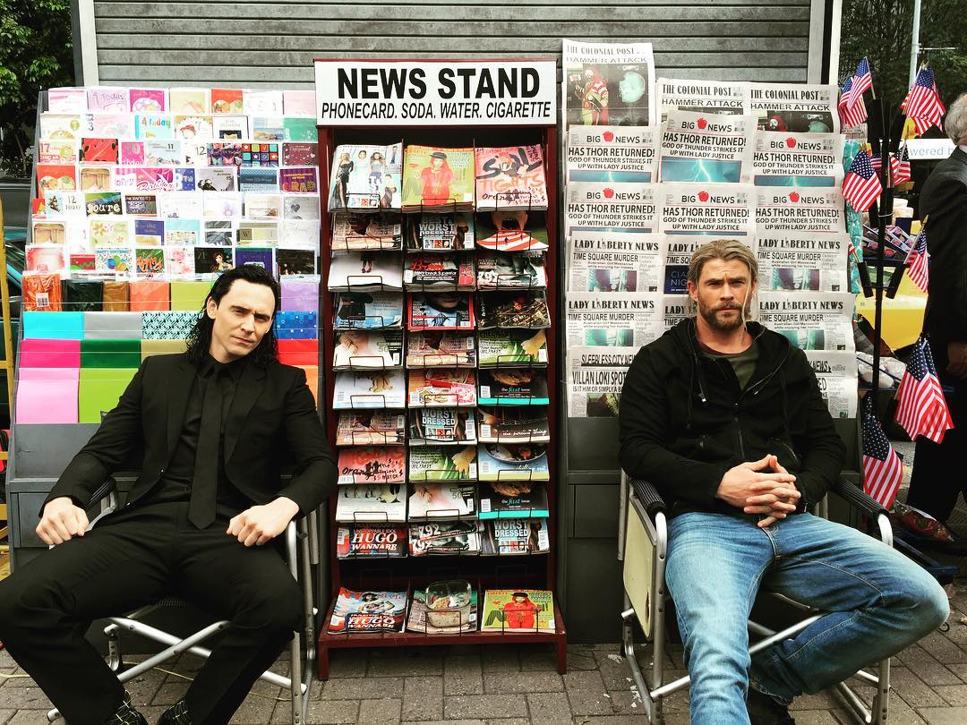 Just sellin papers with my mate @twhiddleston #PartTimeJob #ThorRagnar...