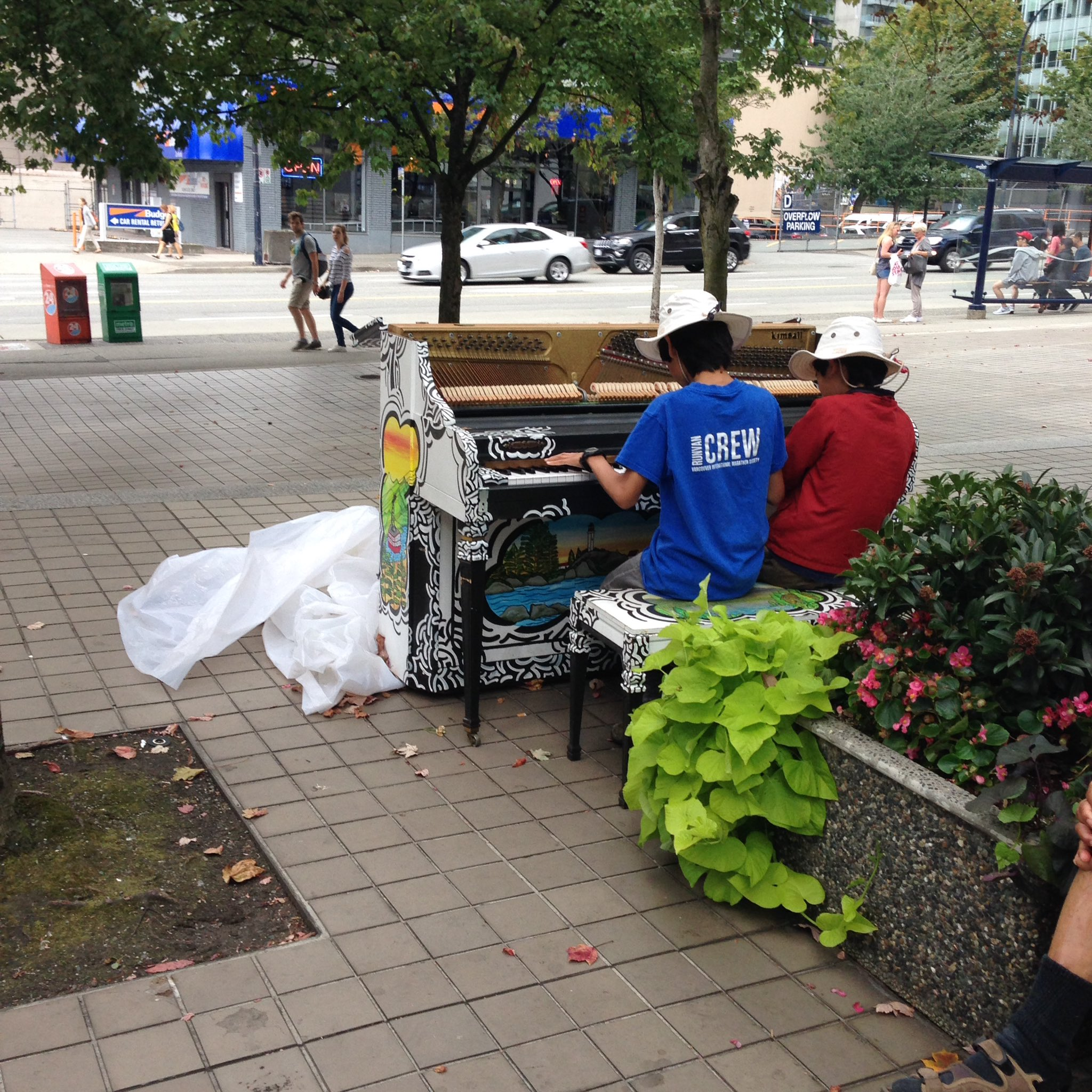 "The ""I can't believe it still works"" award goes to the piano near @VPL Central. Also a popular site! @Keys2Streets https://t.co/dGhSdJVEiX"