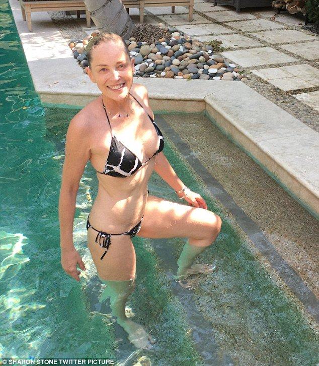 Doktor Bikini braucht Teenager