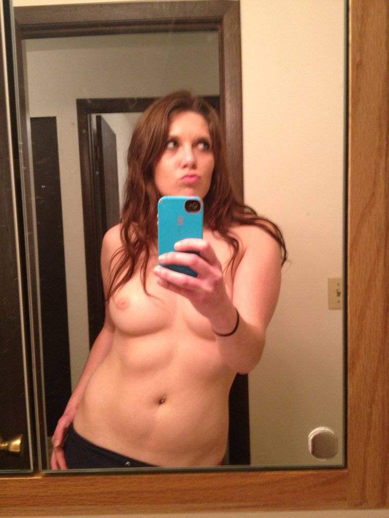 Nude Selfie 7886