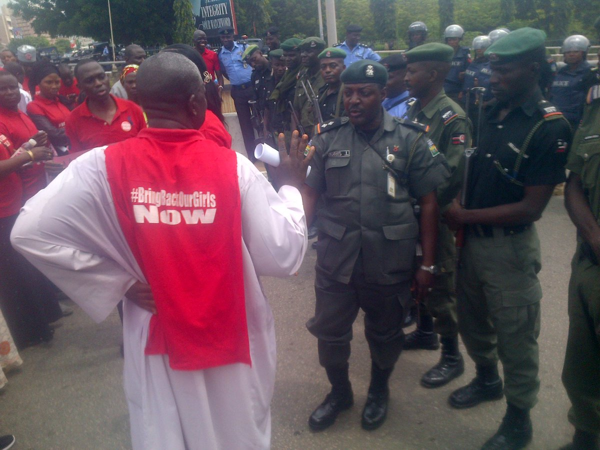 More Photos: Police Block #Bringbackourgirls Protesters At Aso Rock