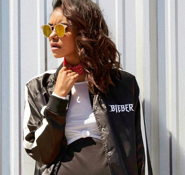 BIEBER MERCH IS HERE! #JustinForever https://t.co/BWFHc84VyZ https://t.co/WPapNUVJbv