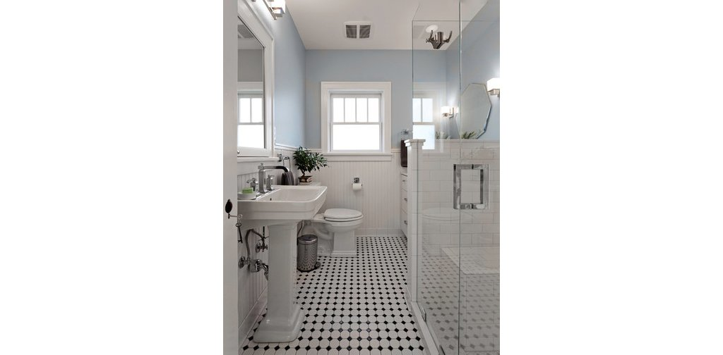 Benjamin Moore On Twitter Christapirl Updated This Bathroom With Mt Rainier Gray 2129 60 And Alabaster 876 Https T Co V0y5mglikv