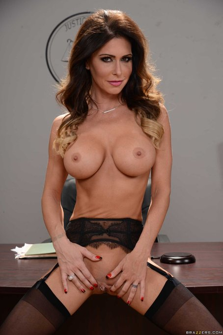 1 pic. What about @jessicajaymes, @KeiranLee?  #BigTitsAtWork @Brazzers https://t.co/19iB0oYqIB https://t