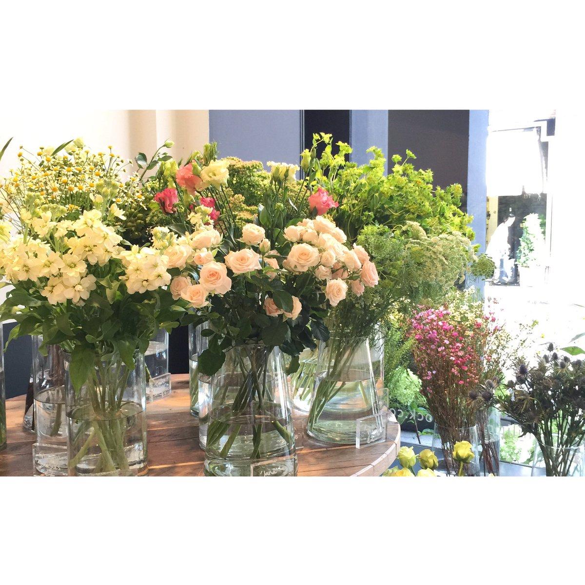 Philippa craddock on twitter a sunny start with these beautiful philippa craddock on twitter a sunny start with these beautiful flowers at our walton st flower shop luxury london florists httpstaanfl3aqgt izmirmasajfo