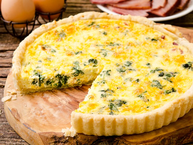 Ham and Cheese Quiche with Spinach for a tasty brunch, lunch or light dinner - recipe: https://t.co/CPFrrx8qbw https://t.co/9Er3FWr6u4