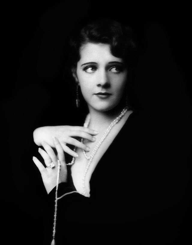 Beautiful portraits of ziegfeld follies showgirls from the 1920s by