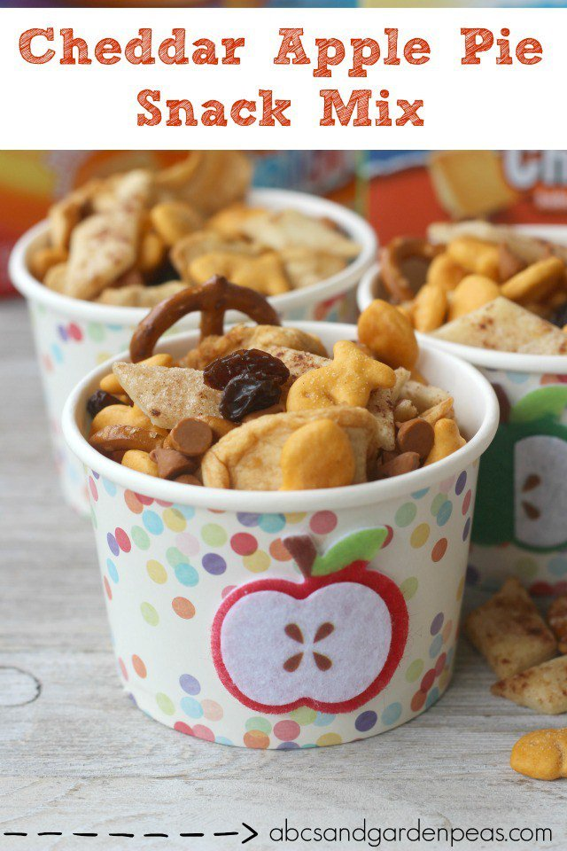 Cheddar Apple Pie Snack Mix – perfect for back-to-school snacking! #MixMatchMunch #ad https://t.co/Q2kgErR4mh https://t.co/rLlE9IkxmK