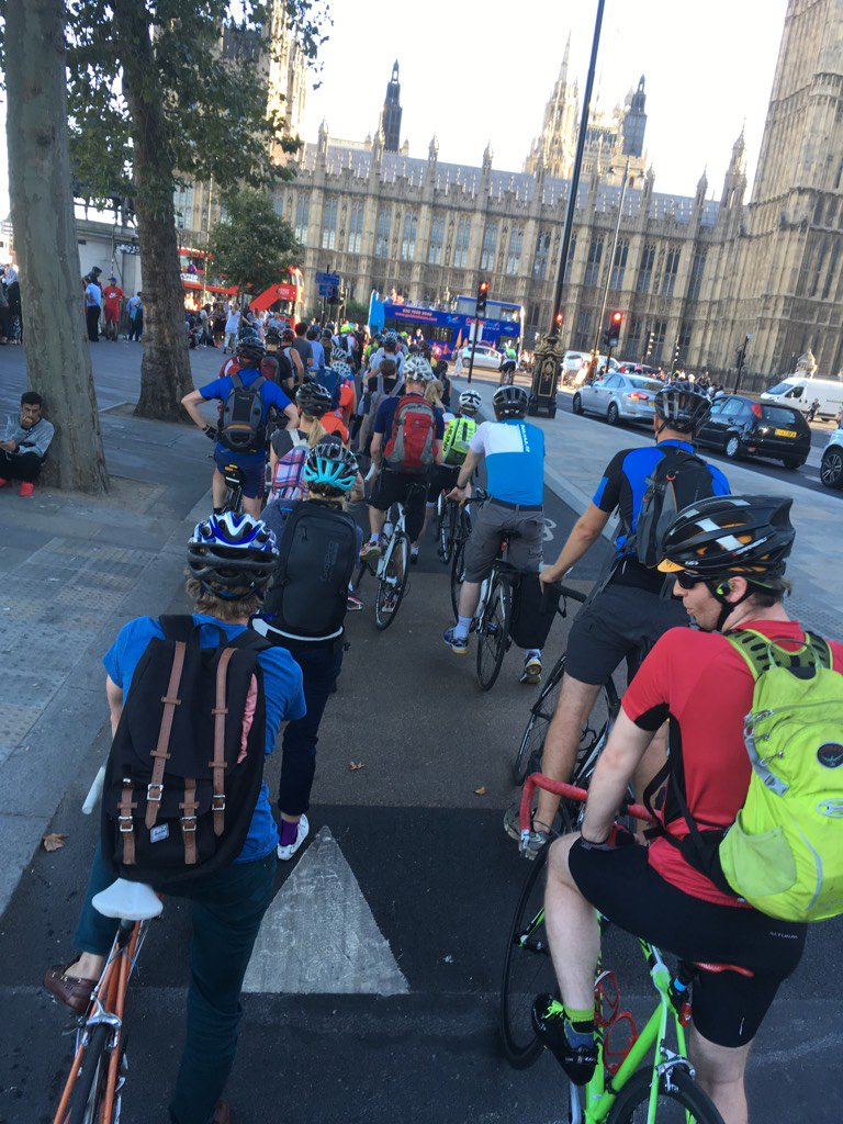 Car lanes causing massive congestion for bikes: RT @swix: New CycleSuperhighway struggling to handle demand tonight. https://t.co/mgN6Gf9Qpc