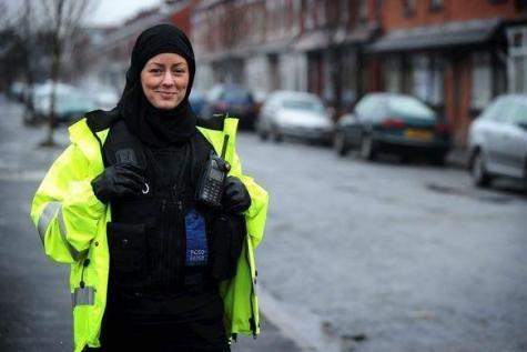 Le Canada autorise le hijab dans la police fédérale https://t.co/adiDUbF4Pt