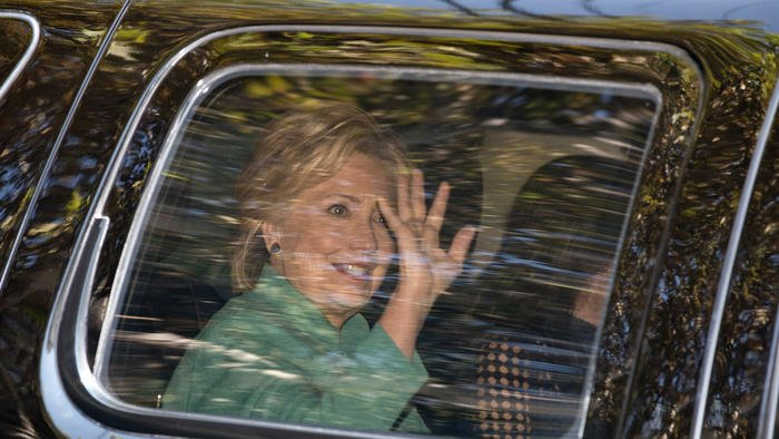 Clinton makes working-class pitch while courting wealthy donors