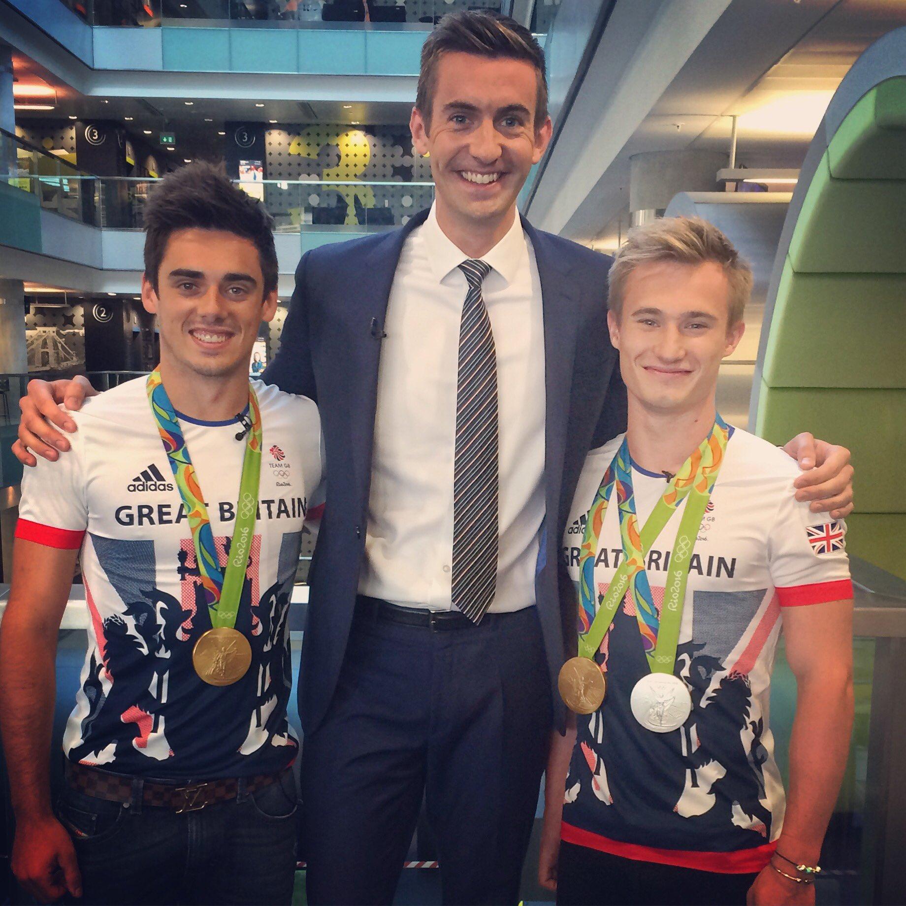 How tall is Ben Thompson on BBC Breakfast?