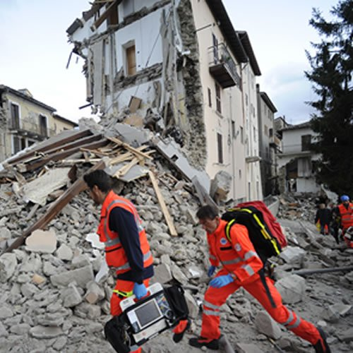 The 1st images showing the devastation of the 6.1 quake that struck Italy are emerging.