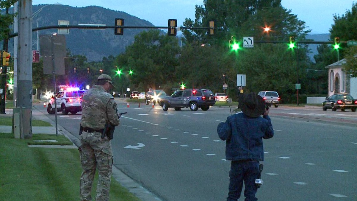 Swat teams are out in Boulder- roads are closed in teh area @Gooddayco Cotraffic
