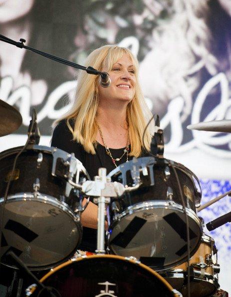 Happy birthday to Debbi Peterson of The Bangles !!!