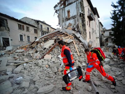 Facebook has activated its 'Safety Check' feature after the earthquake in Italy  #SMEM  https://t.co/uhdu379uQS https://t.co/b3oC9RLdnd