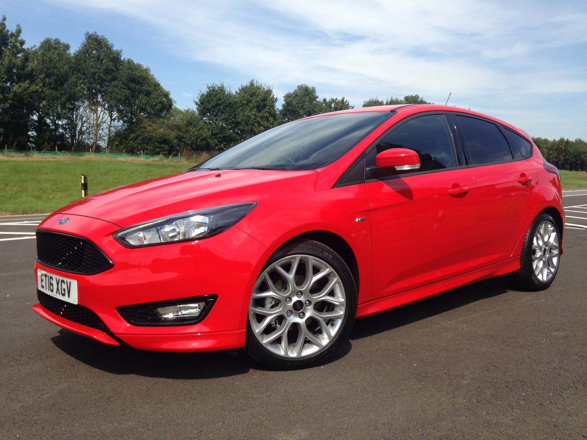 tim pitt on twitter first look at the new ford focus st line optional 18 inch alloys are part. Black Bedroom Furniture Sets. Home Design Ideas