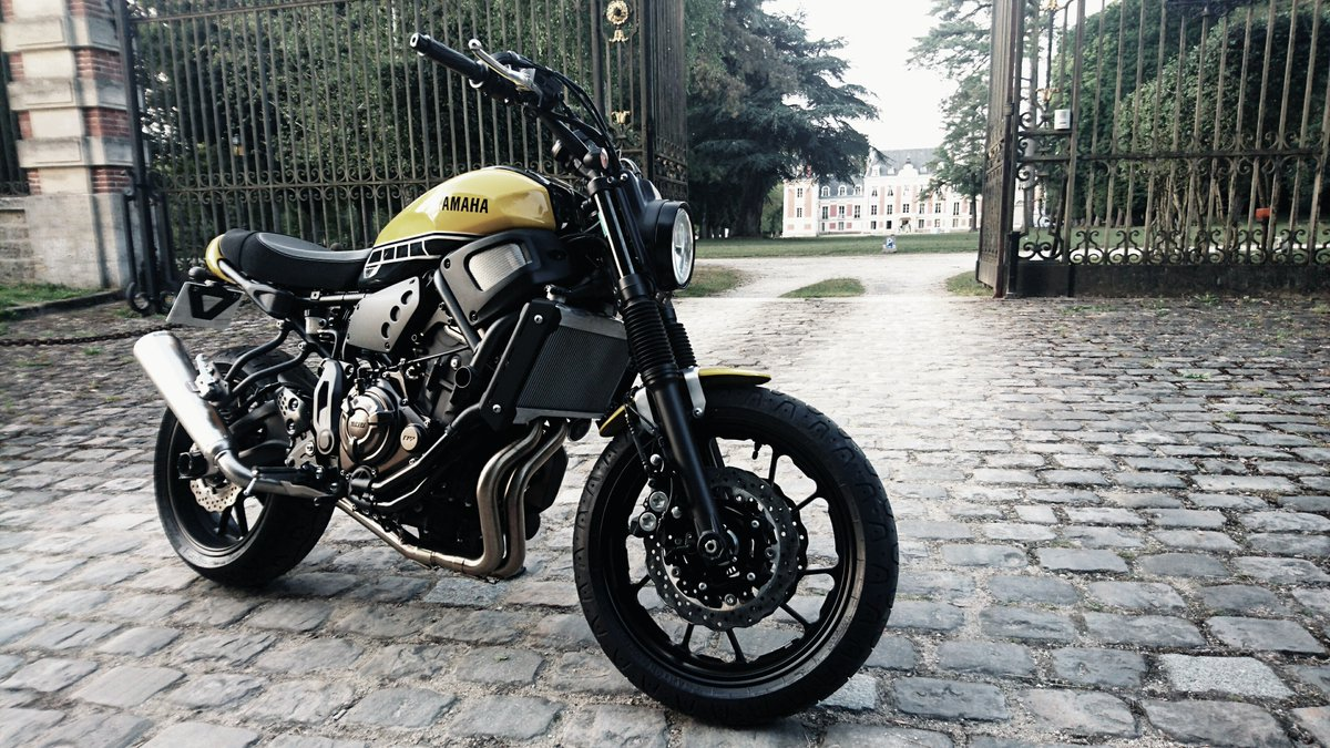 finest selection ad74d baae4 La Yamaha XSR700 by S2 Conceptpic.twitter.com OqY4rb98FE