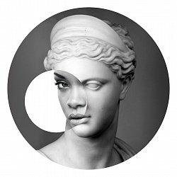 Goddess #Rihanna is divine in Cambridge University show https://t.co/0JYPxP8xDo