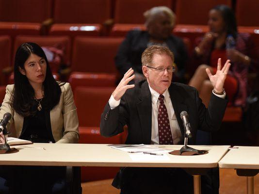 Detroit parents ask court to bar uncertified teachers