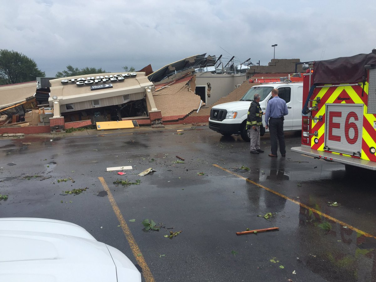 Tornado damage at Starbucks Kokomo. No word of injuries yet https://t.co/oddK2lF1A9