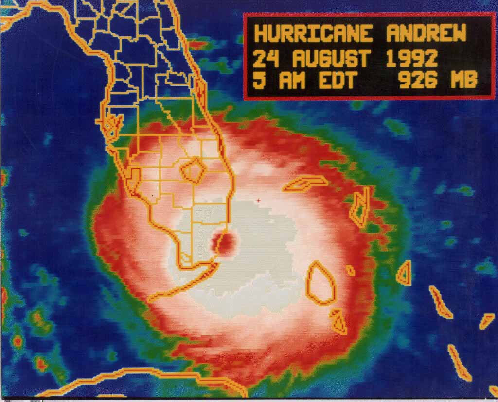 August 24, 1992: Hurricane #Andrew made landfall in South Florida in the early morning hours. #flwx