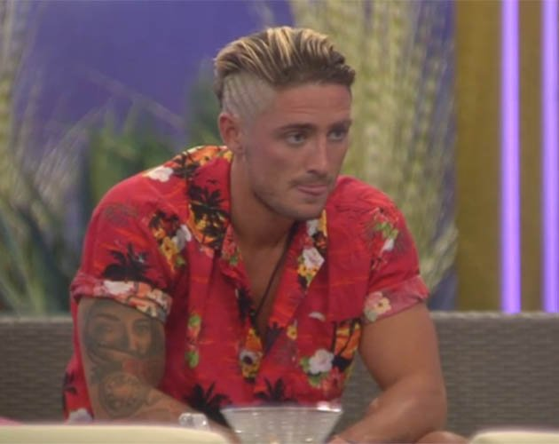 The one thing you've probably *never* noticed about @Stephen_Bear. And it's pretty clever... https://t.co/EwCbDNOvnY https://t.co/cbL48ENrae