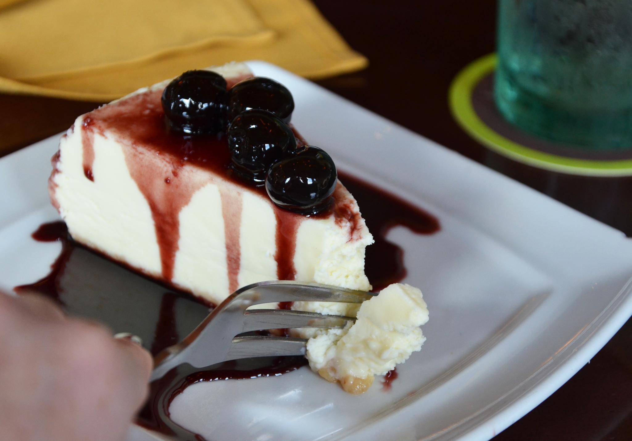 Olive Garden On Twitter Smooth Sicilian Cheesecake With Wild Amarena Cherries Is The Dessert