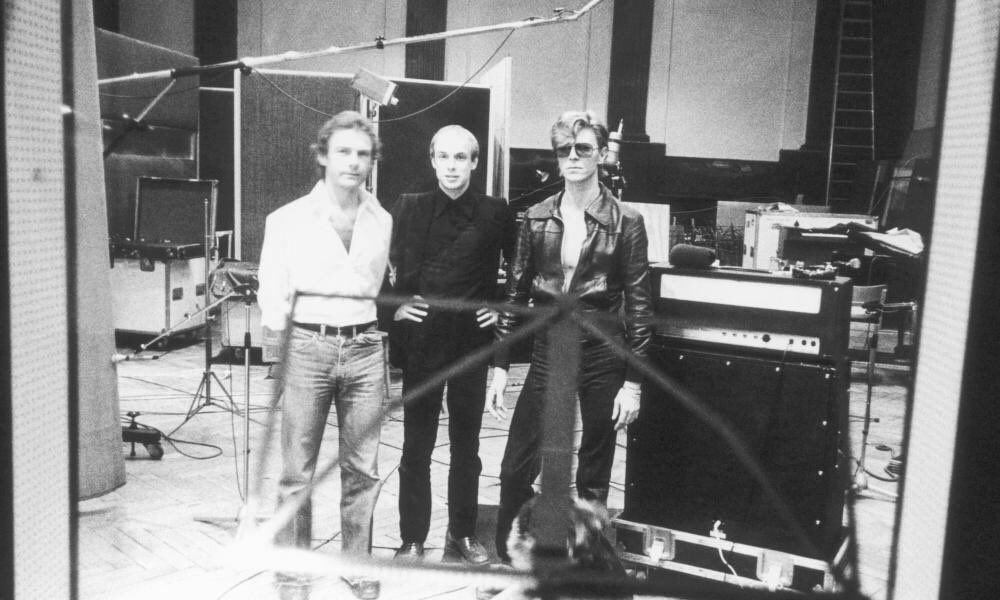 brian eno on twitter david bowie brian eno and robert fripp 1977. Black Bedroom Furniture Sets. Home Design Ideas