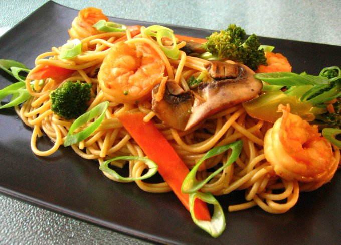 Shrimp and Broccoli Lo Mein _recipes ://