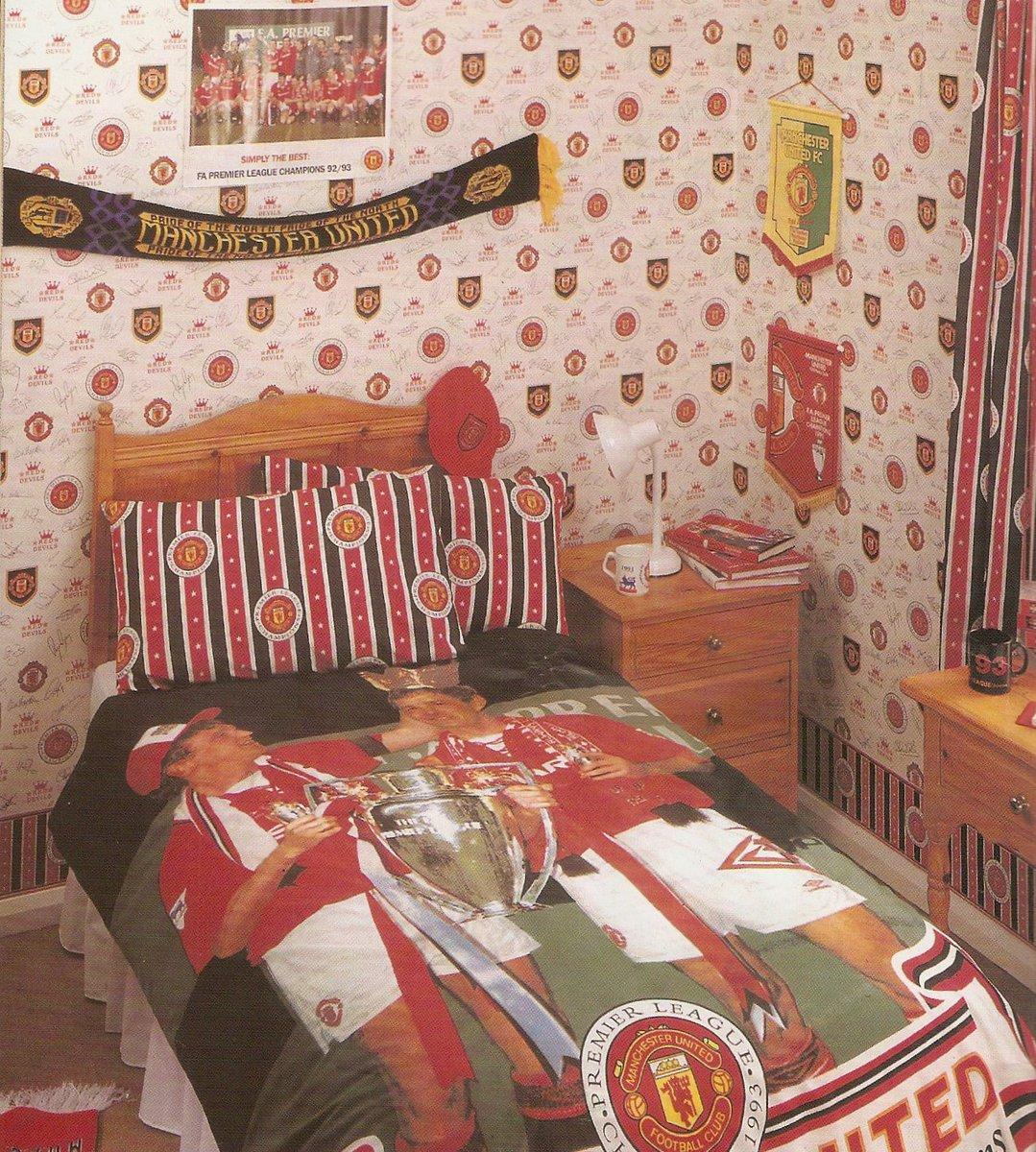 Manchester United Bedroom Michael Dixon Retroreddevil Twitter