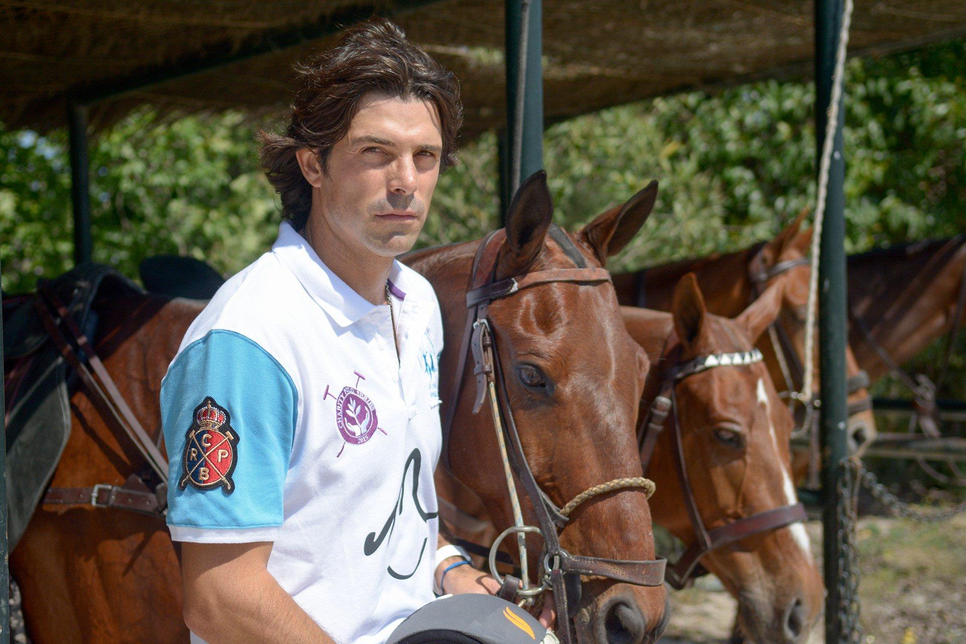 Meet the world's HOTTEST polo player, Nacho Figueras: https://t.co/yVzuqKMnVE https://t.co/lFtaHcCQgl