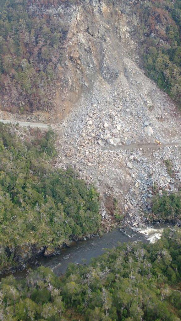 @GobeCapitanPrat estimados el puente aéreo es por el derrumbe en la ruta  de ayer?