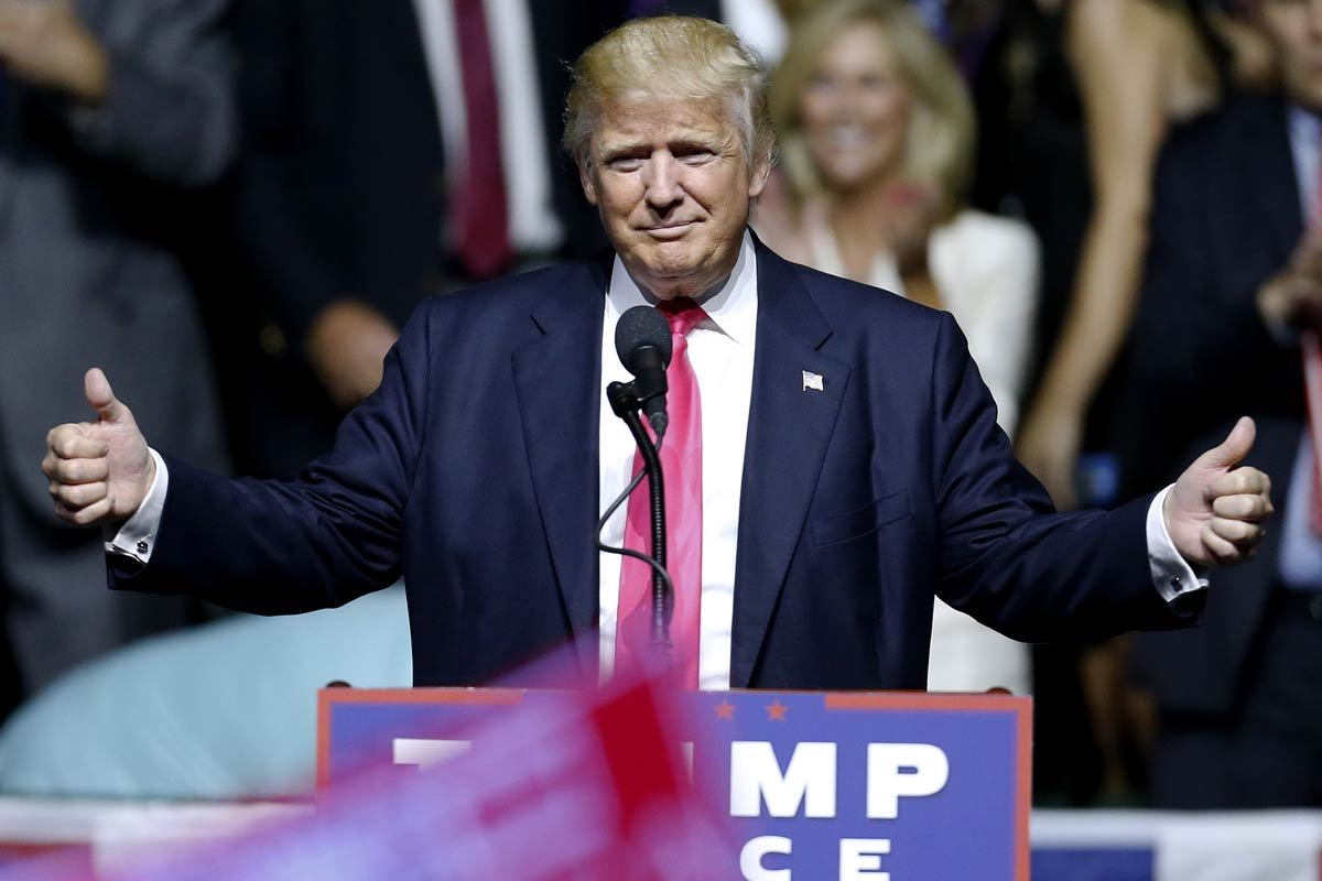 """Trump shouts: """"Hillary Clinton is a bigot!"""" – the line seemed to catch many by surprise"""