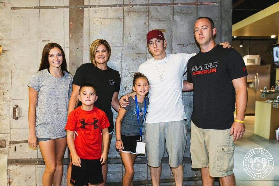 Eminem updates on twitter eminem met 2 fans who wished to meet him eminem updates on twitter eminem met 2 fans who wished to meet him via the make a wish foundation m4hsunfo Images