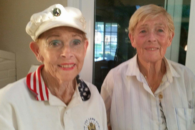 PLEASE SHARE: 82-year-old twins are now homeless in a van after a lifetime of helping others