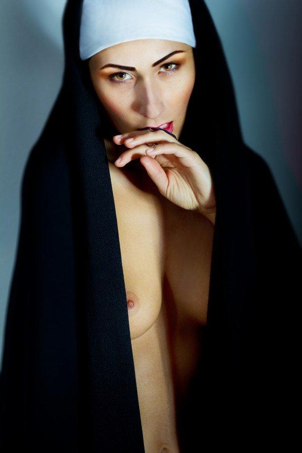 Развратные монахини во всю грешат, голая девушки челябинск