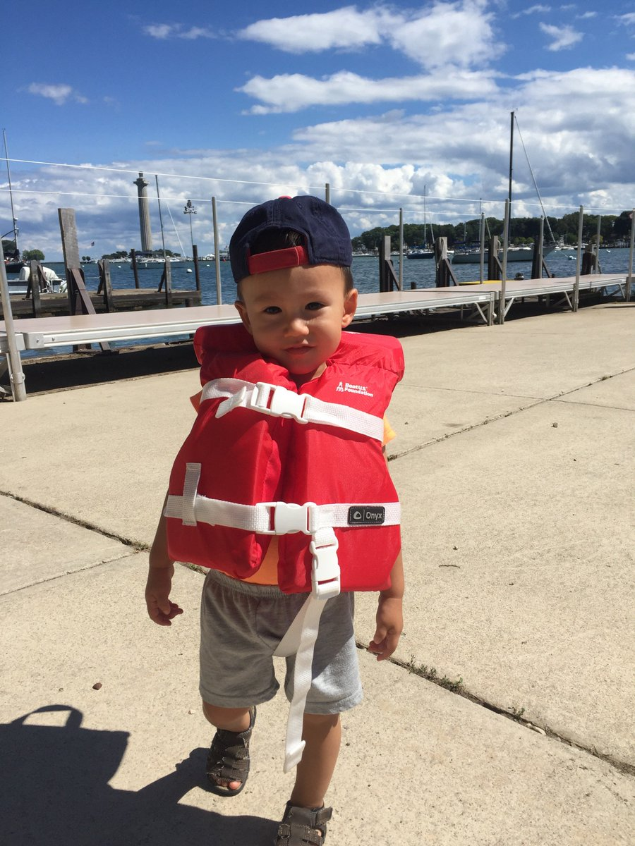 Our Aquatic Visitors Center is a site for @BoatUS's Life Jacket Loaner Program! https://t.co/L72p21tqoR https://t.co/TFFlVfaqS2
