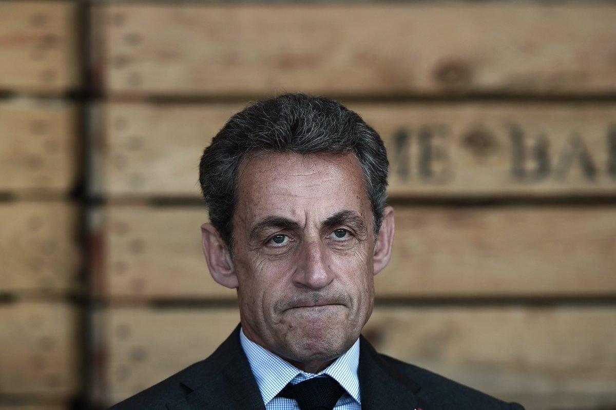 Sarkozy : 'https://t.co/QVOCR3uYdH' renvoie vers une collection de nains de jardins https://t.co/oKoYAq1f4P
